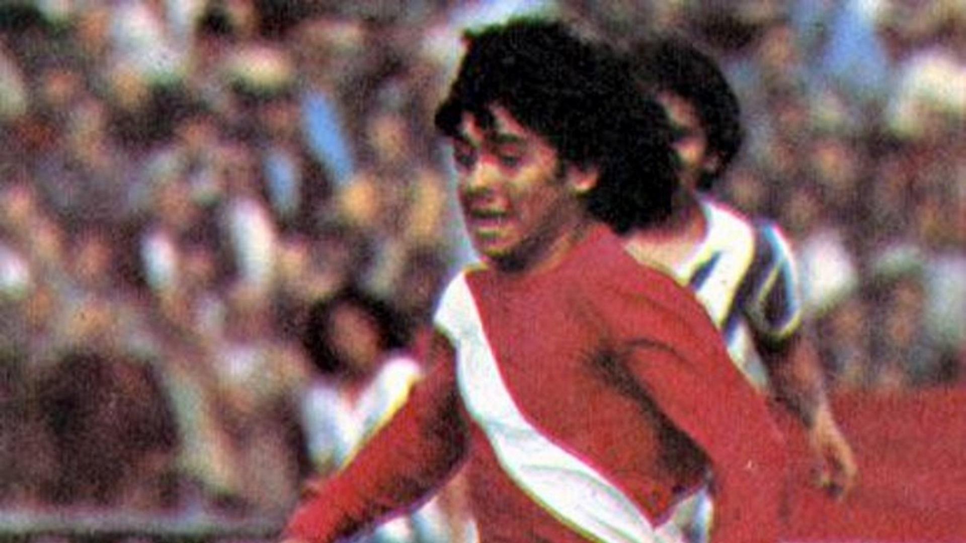 Hace 40 años nacía la leyenda: Maradona debutaba en Primera - Infobae